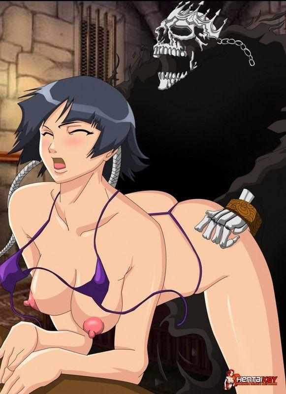Оживший скелет жестко трахает сисястую брюнетку из аниме Блич.